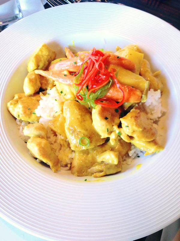 Sisserous Curry Chicken